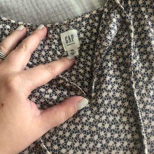 Gap maternity shirt ( never worn )